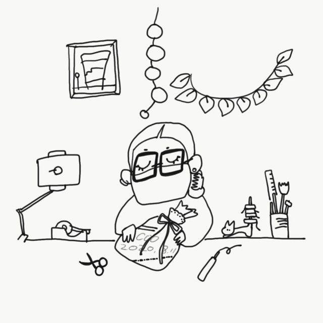 最近、毎日。 Twitterで絵日報書いています。  Twitterだけに、ほんと呟きのみなので、なんのアレもないのですが。  これはね、オンラインショップで始めたラッピングサービスについて、話し合ったり試作したので、そんな感じが伝わればなーと。  お店でこんなして包んでいます♬  ラッピングのことでわからないことあったらお気軽にお問い合わせ下さいね😊  #ラッピングデザイン #包む暮らし #店主の日報 #プレゼントに最適な #イラスト日記